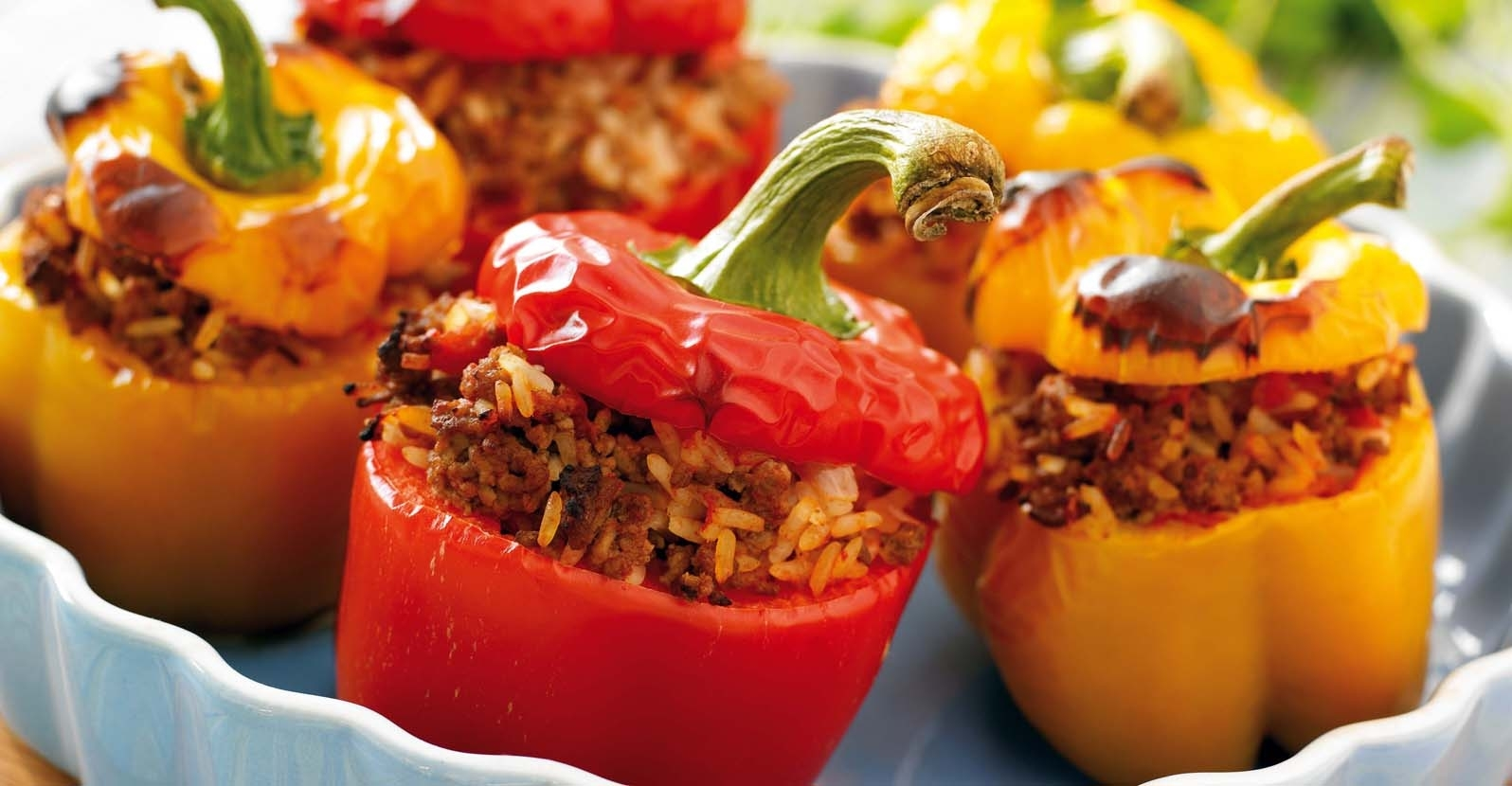Easy Slow Cooker Stuffed Bell Peppers