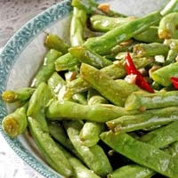 Easy Green Beans with Festive Color
