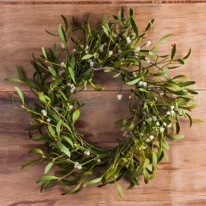 wreath made from mistletoe