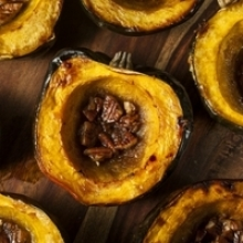 Baked Acorn Squash with Brown Sugar and Pecans