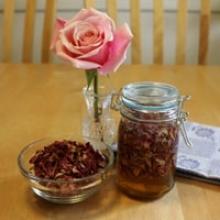 How to Make Rose Infused Honey